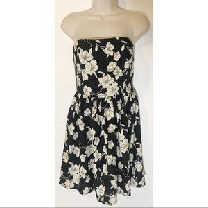 Forever 21 Strapless Floral Dress